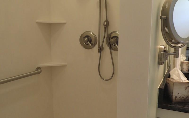 Handicap Shower Cottage 7